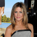 Jennifer Aniston, topless pour son interview sans tabou au magazine Allure