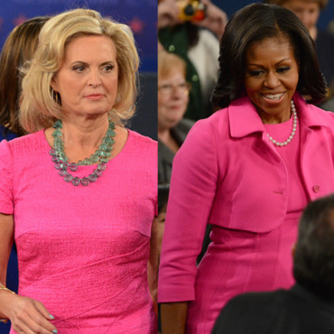 Michelle Obama et Ann Romney en robes rose au second débat présidentiel à la Hofstra University Hempstead, le 16 octobre 2012