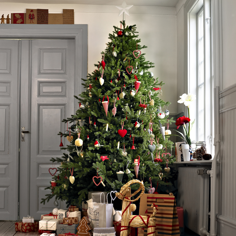 30 sapins de no l pour trouver son style d co un sapin de no l authentique - Sapin de noel stylise ...