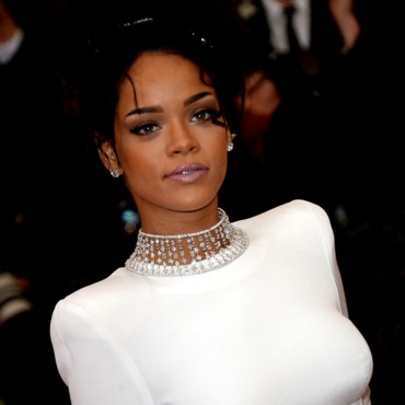 "Rihanna au Met Gala 2014, pour l'ouverture de l'exposition ""Charles James : Beyond Fashion"", au ""Anna Wintour costume center"", à New York, lundi 5 mai 2014."