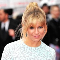 Sienna Miller au Arqiva British Television Academy Awards au Roayl albert Hall  Londres le 12 mai 2013