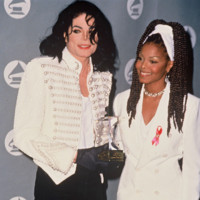 Photo : Michael Jackson et sa soeur Janet aux Grammy Awards en 1993