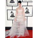 Katy Perry en robe Valentino Couture lors des Grammy Awards 2014 le 26 janvier à Los Angeles