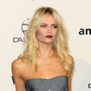 Looks beautés Fashion Week Milan Gala Amfar Natasha Poly