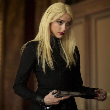 Amber Heard est l'agent Vivi Delay dans 3 days to Kill de McG