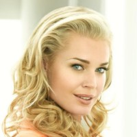 Photo : Rebecca Romijn en Alexis Meade d'Ugly Betty