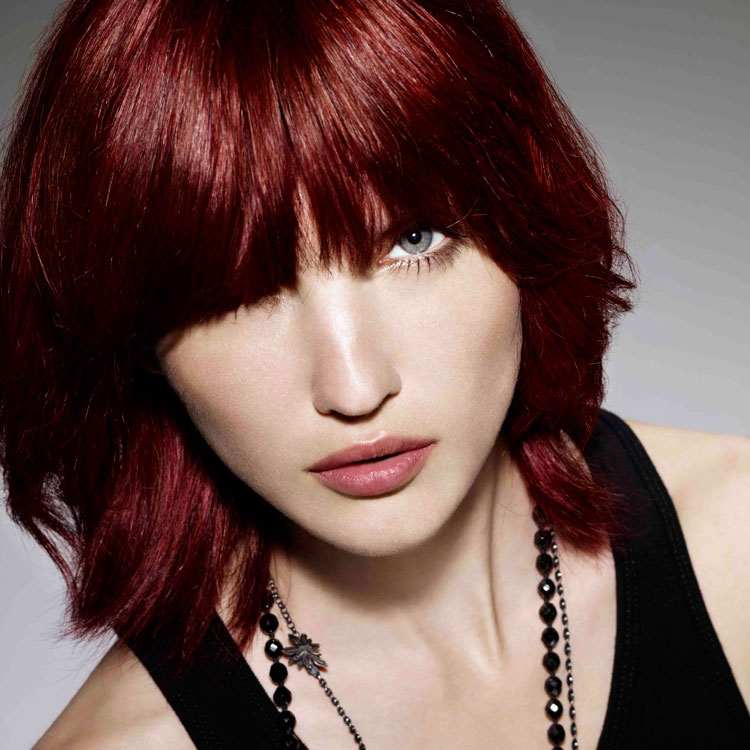 coupe cheveux carre rouge