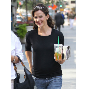 Jennifer Garner Starbucks