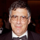 New York District : Elliott Gould jouera les justiciers
