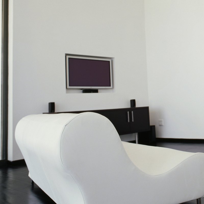 comment accrocher les planches a tv au mur. Black Bedroom Furniture Sets. Home Design Ideas