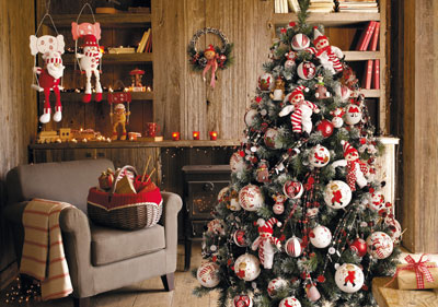 Tendance no l 2009 le style nordique revisite la for Deco de sapin de noel rouge et blanc