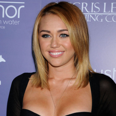 Miley Cyrus bronzage top Film 8th Annual Breakthrough juin 2012