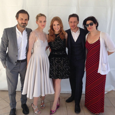 Jessica Chastain avec James McAvoy et Jesse Weixler avant le photocall de The Disappearance of Eleanor Rigby lors du 67ème festival de Cannes