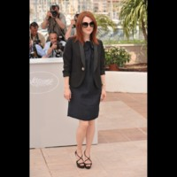 Photo : Julianne Moore aime le combiné veste et robe