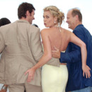 Rebecca Romijn accompagnée de Hugh Jackman et Kelsey Grammer lors de la projection d'X-Men : l'affrontement final, à Cannes en 2006.