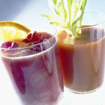 Jus de légumes et cocktail de jus de fruits