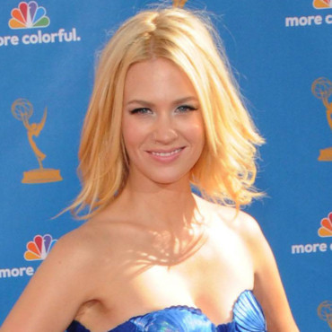 January Jones aux Emmy Awards 2010