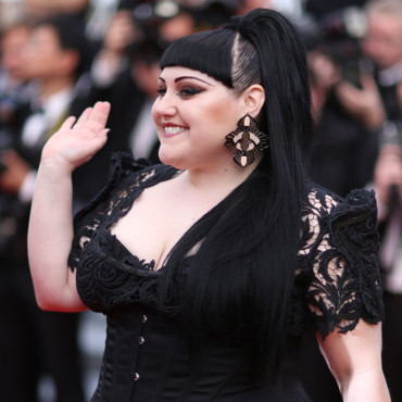 Beth Ditto en queue de cheval au Festival de Cannes 2012
