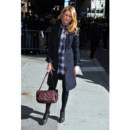 Blake Lively et son sac Chanel bordeaux