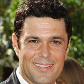 people : Carlos Bernard