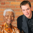 Matt Damon pose avec Nelson Mandela en 2005 à New York.
