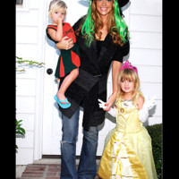 Photo : Denise Richards fait Halloween