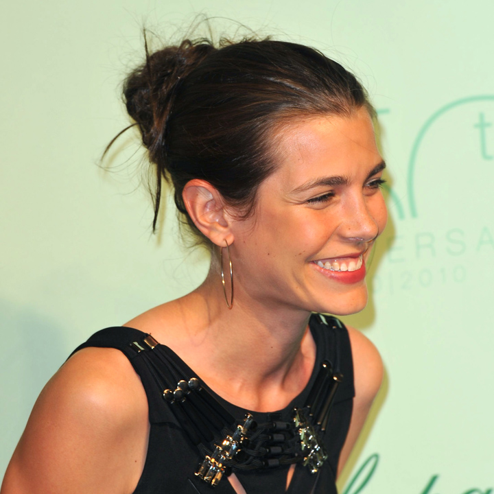 charlotte casiraghi son best of coiffure charlotte casiraghi et le chignon d coiff beaut. Black Bedroom Furniture Sets. Home Design Ideas