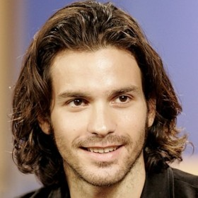 people : Santiago Cabrera