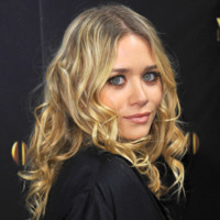 Photo : les boucles d'Ashley Olsen