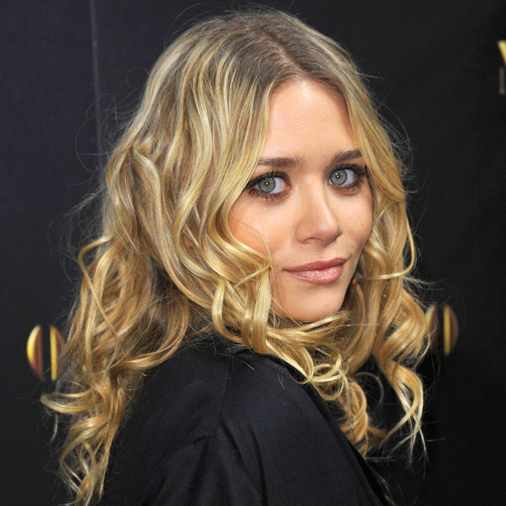 cheveux de stars place aux boucles jolies boucles blondes pour ashley olsen beaut. Black Bedroom Furniture Sets. Home Design Ideas