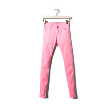 Le pantalon rose Pull & Bear 20 euros