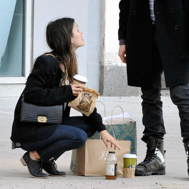 Rachel Bilson et son sac Boy de Chanel
