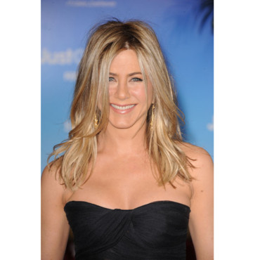 Jennifer Aniston décolleté