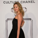 Estella Warren, à l'exposition Chanel