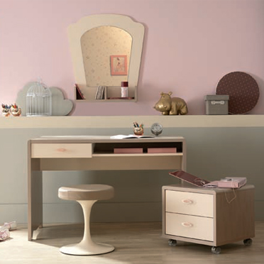 rentr e 2009 les 20 bureaux pour enfants le bureau lola gautier d co. Black Bedroom Furniture Sets. Home Design Ideas
