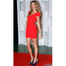 Gisele Bundchen en mini robe rouge