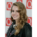 Lana del Rey coiffure boucles rock Q awards à Londres octobre 2011