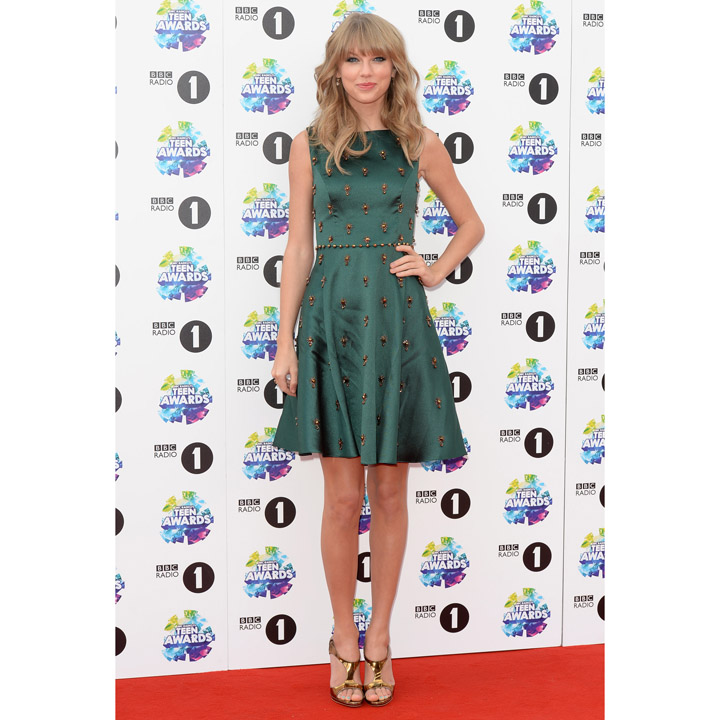 Taylor Swift en Jenny Packham aux Radio 1 Teen Awards à Londres le 3 novembre 2013