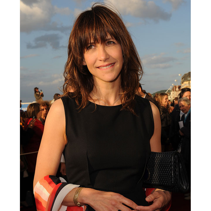 sophie marceau rayonnante au festival de cabourg beaut. Black Bedroom Furniture Sets. Home Design Ideas