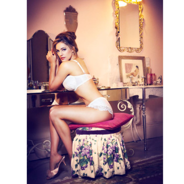 Kelly Brook pour New Look