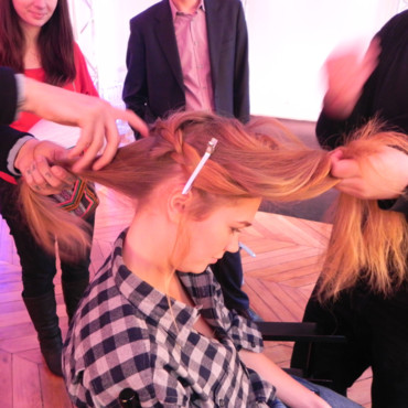 Tutoriel couronne tressée Toni and Guy par Mark Hampton