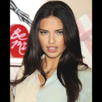 Photo : Adriana Lima, la bomba latina