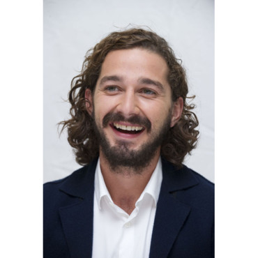 Shia laBeouf conférence de presse Lawless Four Seasons Beverly Hills août 2012 cheveux longs et barbe