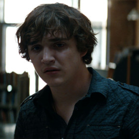 Kyle Gallner dans Freddy