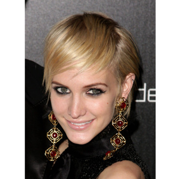 Ashlee Simpson look in 2010