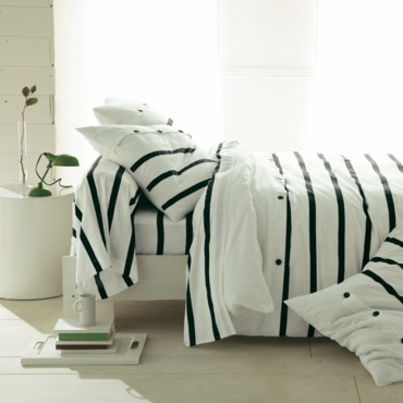 3 suisses une collection de linge de lit tout en fantaisie parure marini. Black Bedroom Furniture Sets. Home Design Ideas