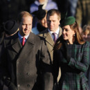 Kate Middleton et le Prince William au traditionnel service à l'église de Sandringham, dans le Norfolk le 25 décembre 2013