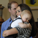 Kate Middleton, William et le Prince George rencontrent des familles à Wellington le 8 avril 2014