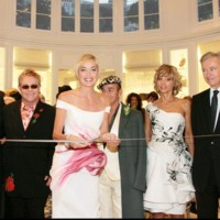 Sharon Stone inaugure la boutique Dior Montaigne