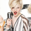 Cheveux courts : le blond rock'n roll de VOG